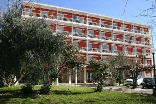 Отель недалеко от Древней Олимпии по цене ниже кадастровой стоимости.