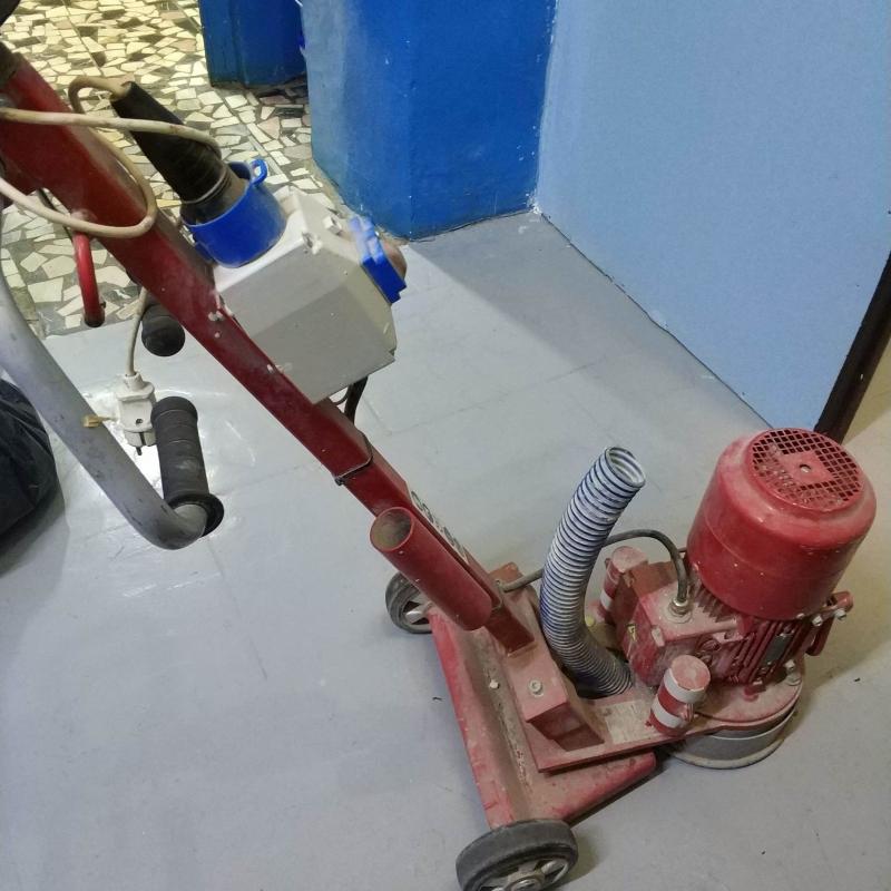 Шлифовальная машинка для выравнивания бетонных полов