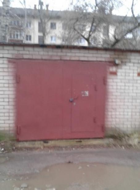 Кирпичный гараж в заводском районе