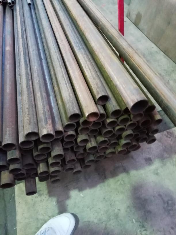 Распродажа остатков металлопроката и труб,арматура в связи с ликвидацией склада