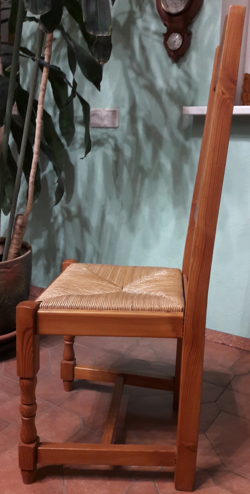 Продажа комплекта стульев из массива лиственницы