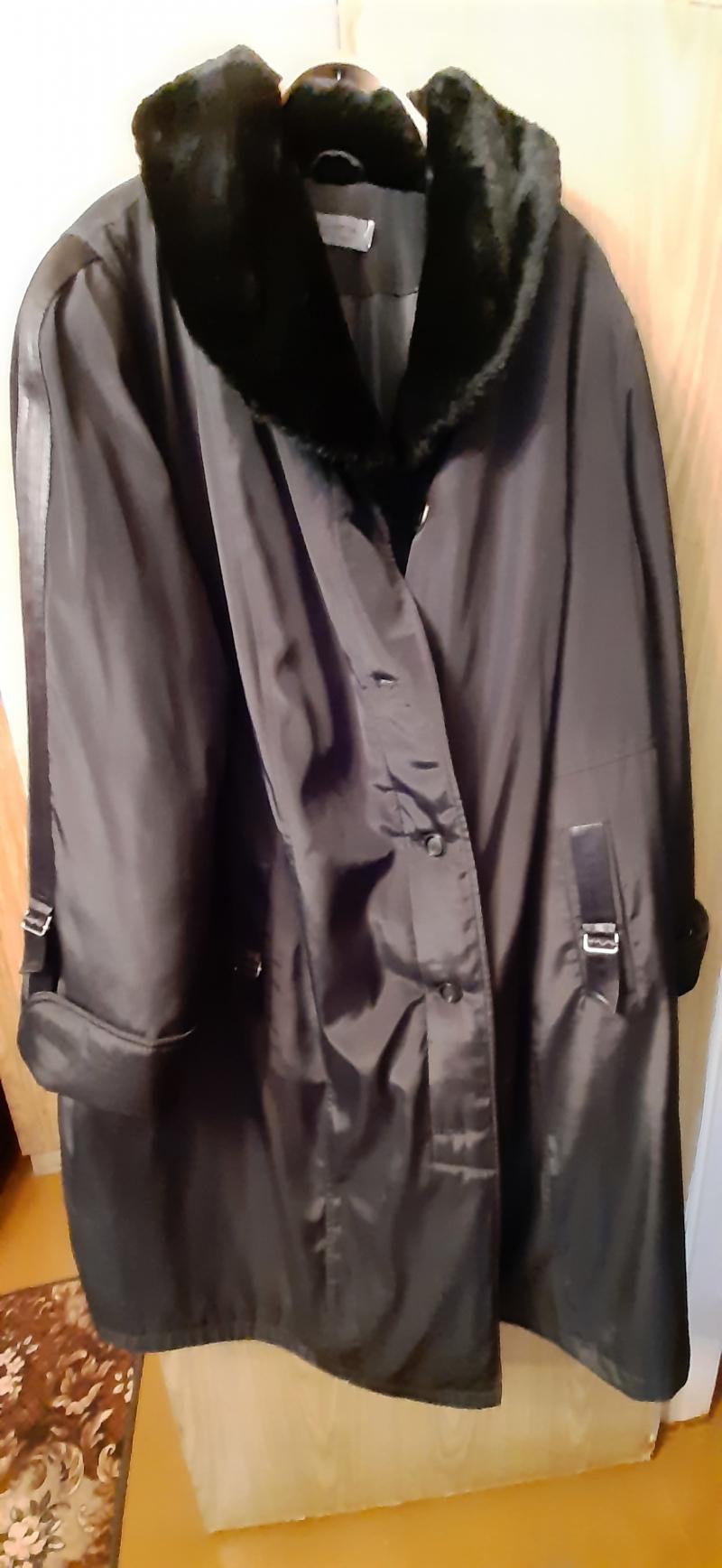 Отдам бесплатно женское зимнее пальто 72 размера